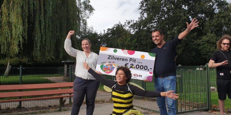 Zilveren Pit voor Hoorns project van Bijenschool Hoorn