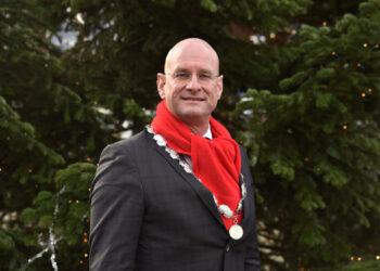 Burgemeester Hoorn Jan Nieuwenburg: 'Deze moeilijke tijd brengt mensen dichterbij elkaar'