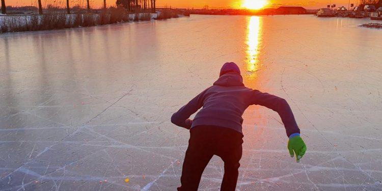 Weg ijs, dus niet meer schaatsen? STG Hoorn biedt proeftrainingen bij De Westfries