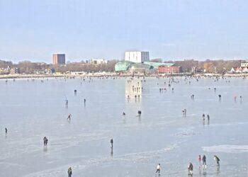 Schaatsen in Hoorn; Prachtige beelden en kijk LIVE mee [livestream]