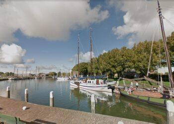 College Enkhuizen verlaagt tarief gemeentehaven voor charters