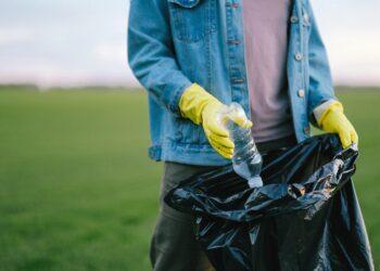 Jong Westfriesland in Actie werft jongeren voor opruimen zwerfafval