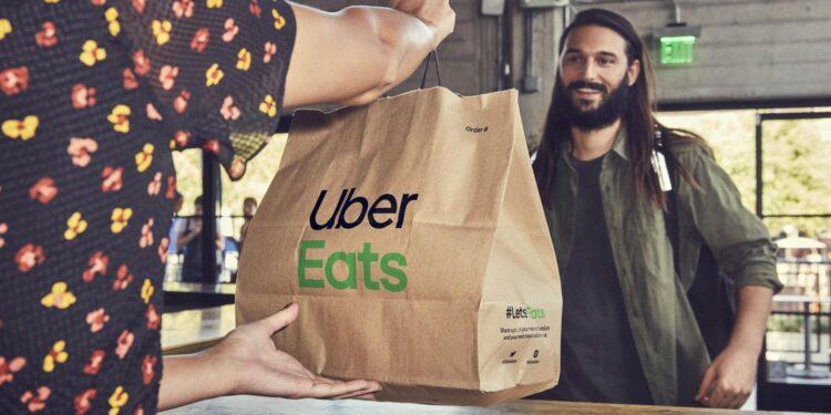 Uber Eats nu ook actief in Hoorn; Febo, KFC, Subway en McDonalds thuisbezorgd