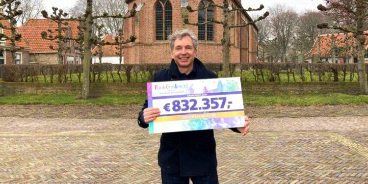 Loterij levert Zuiderzeemuseum een cheque van 832.357 euro op