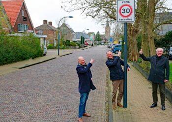 Herhalingsbord 30-km op Kerkstraat in Wognum op verzoek bewoners