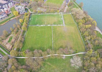 Geven en nemen van deel Julianapark voor voetbalvelden; Inwoners Hoorn mogen meepraten