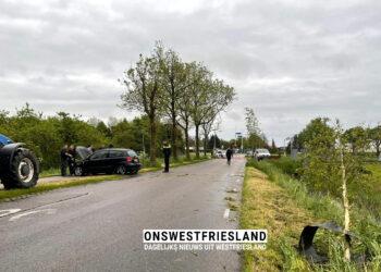 Auto beland in sloot op Zuiderdracht in Oosterblokker