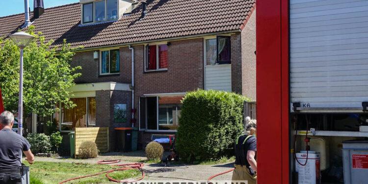 Woning Nachtegaal in Hoorn onbewoonbaar na brand