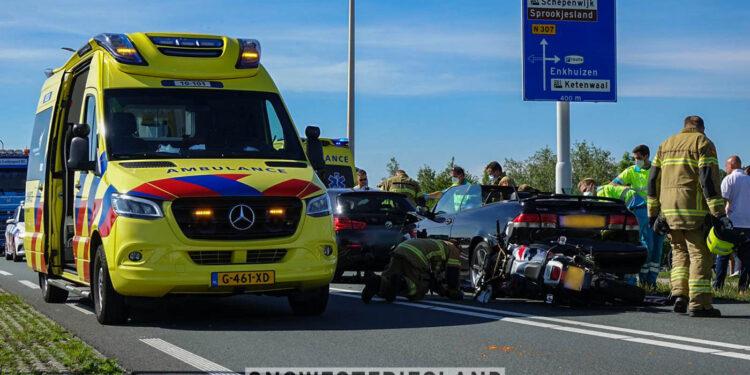 Twee gewonden bij kettingbotsing in Enkhuizen