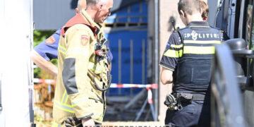 Muur van pand in Hoogkarspel ingestort; Slachtoffer met spoed naar ziekenhuis
