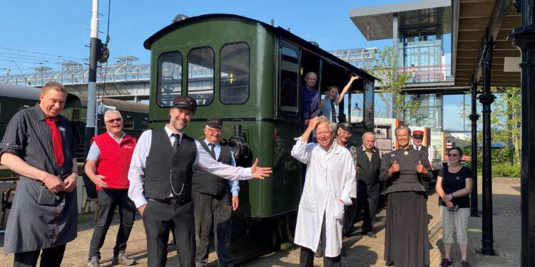Rookpluim en stoomfluit; Museumstoomtram rijdt weer tussen Hoorn en Medemblik