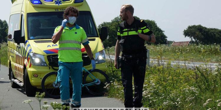 Wielrenner en scooterrijder gewond na aanrijding op fietspad naast N307 nabij Enkhuizen