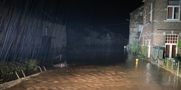 Reddingsbrigade Notwin in rampgebied; 'Dat vergeet je nooit meer'
