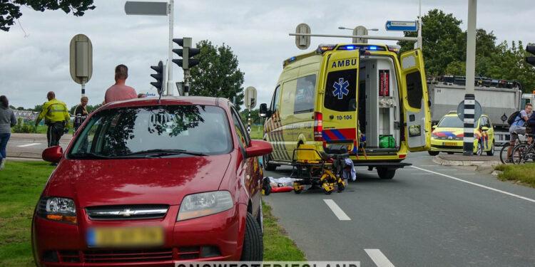 Aanrijding tussen auto en fietsster in Enkhuizen