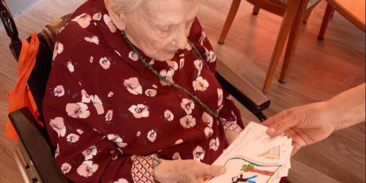 Ansichtkaartenactie Zuiderzeemuseum aan ouderen warm ontvangen