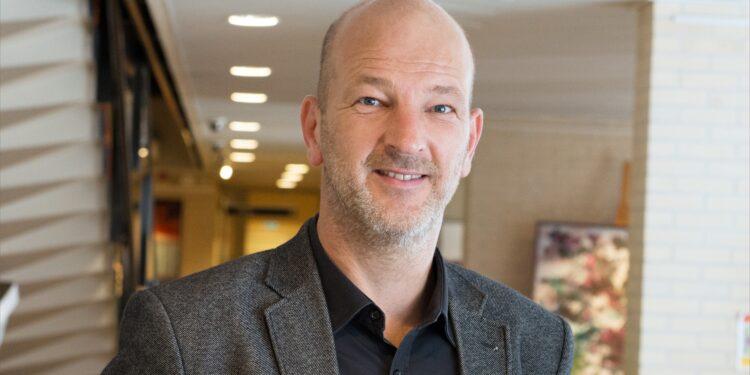 Wethouder Nootebos stopt per 1 december als wethouder Stede Broec