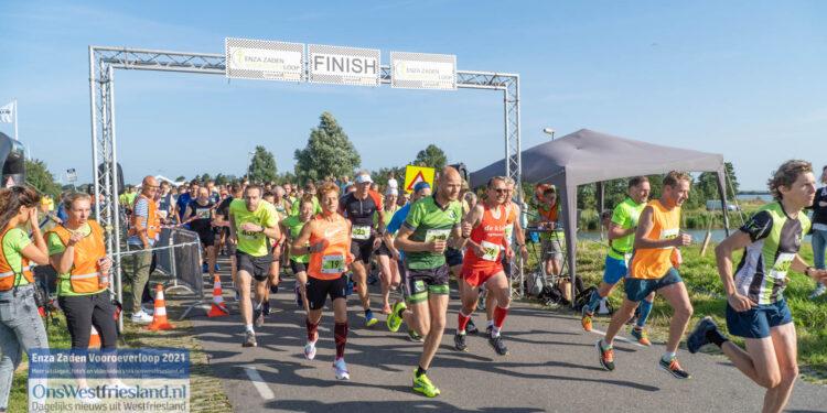 Enza Zaden Vooroeverloop 2021; Startlocatie en start 21,1km en 10km [fotos]