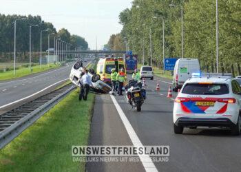 Auto op de kop bij ongeval A7 bij Benningbroek