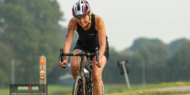 Ironman Westfriesland 2021: 70.3 Bike course bij Schellinkhout deel 3 [250 fotos]