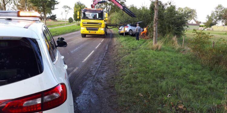 Politie; pas op voor modder op de polderwegen