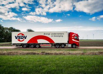 Nieuwe uitstraling voor flink gegroeid Transportbedrijf Van Straalen de Vries