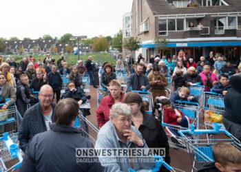 Albert Heijn geopend in winkelcentrum de Huesmolen in Hoorn